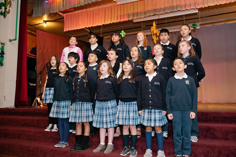 Image-12-kids-singing